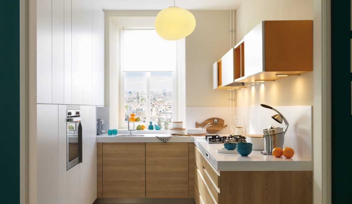 Small-L-shaped-kitchen-with-window